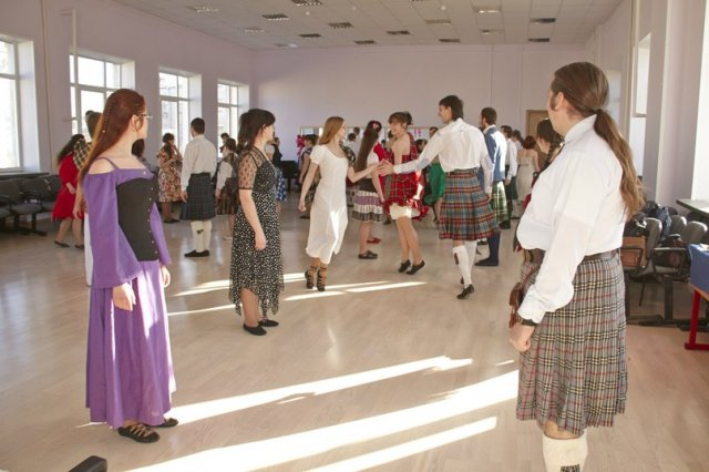 21-year-scottishdance-bal-09-03-14-13